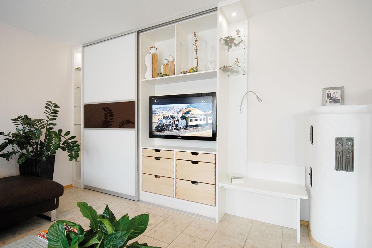 Wohnzimmerschrank mit raumplus-Schiebetüren