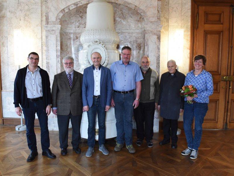 Schreinerei Thaler ehrt langjährige Mitarbeiterin und Mitarbeiter