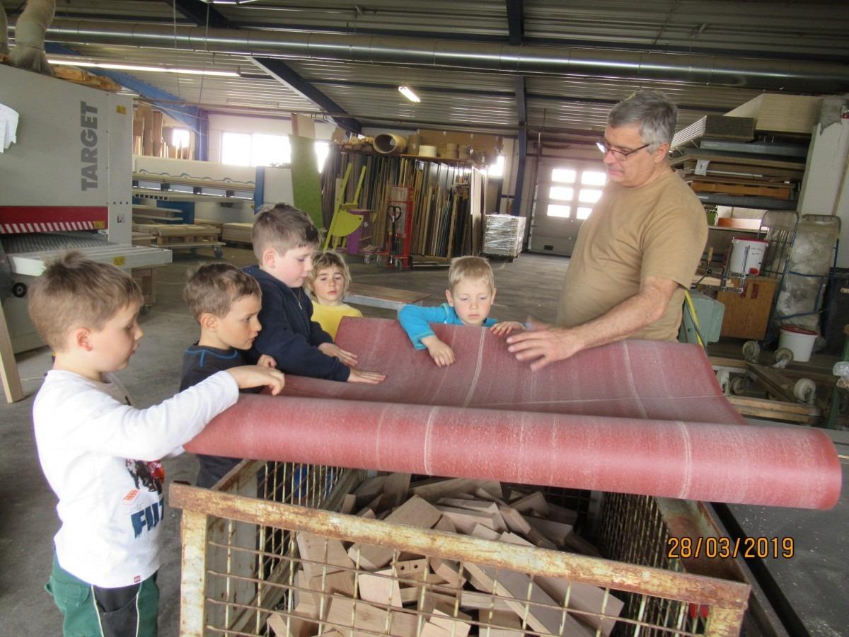 Waldkindergarten Aulendorf besucht Ihr Schreiner Thaler